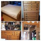Honey Oak Queen Bedroom Set buy the entire set for $500.00