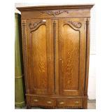 ANTIQUE Oak 2 Door Carved Wardrobe