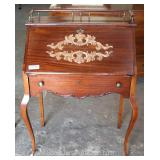 ANTIQUE Mahogany Ladies Slant Front Desk with Gallery Located Inside – Auction Estimate $100-$300