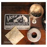 ANTIQUE Mahogany Victor Victrola with Head and Crank