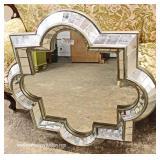 Decorator Mirror – auction estimate $50-$100