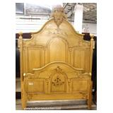 ANTIQUE 4 Piece Painted Cottage Victorian Bedroom Set with High Back Full Size Bed – auction estima