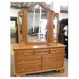 """Contemporary 5 Piece Oak Bedroom Set with Queen Size Poster Bed by """"Keller Furniture"""" – auction est"""