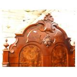 ANTIQUE BEAUTIFUL Walnut Victorian High Back Full Size Bed – auction estimate $300-$600