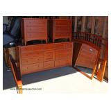 5 Piece Cherry Queen Bedroom Set – located on the dock – auction estimate $200-$400