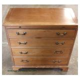 Mahogany 4 Drawer Bracket Foot Bachelor Chest with Pull Out Tray – auction estimate $100-$300