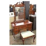 "7 Piece ""Kling Furniture"" SOLID Mahogany Queen Anne Bedroom Set with Twin Beds  Auction Estimate $30"