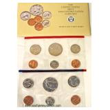 """The United States Mint 1990 Uncirculated Coin Set with """"D"""" and """"P"""" Mint Marks  Auction Estimate $5-"""