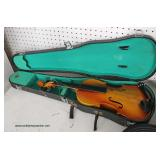 Selection of Musical Instruments including Violins, Banjos, Electric Keyboards and Others  Auction