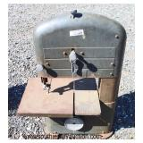 """VINTAGE """"Craftsman"""" Band Saw  Auction Estimate $50-$100 – Located Field"""
