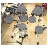 """Electronic """"Yamaha DTX 500"""" Drum Set with Foot Pedal"""