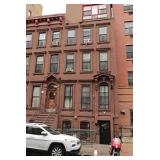 Brownstone w/ 5 units