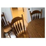 kitchen/diningroom table and chairs