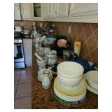 Cooking dishes, pots, pans and bowl