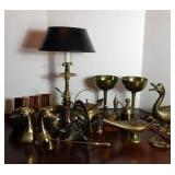 Various decorative desk items