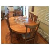Oak Table w/6 Chairs
