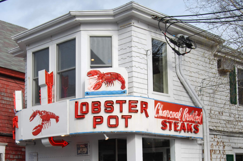 The Lobster Pot logo