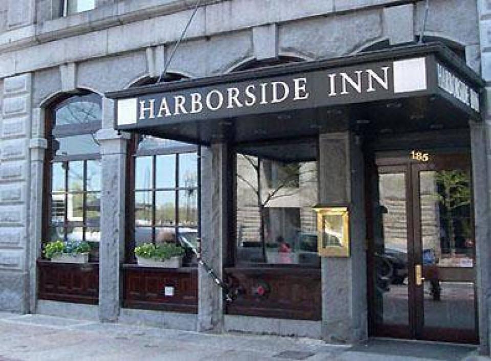 Harborside Inn logo