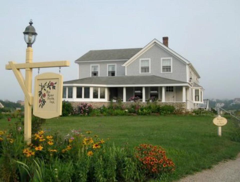 Rose Farm Inn logo