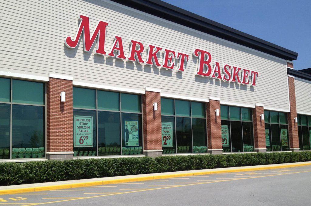 U Market Basket supermarketima možete kupiti proizvode sa naših prostora