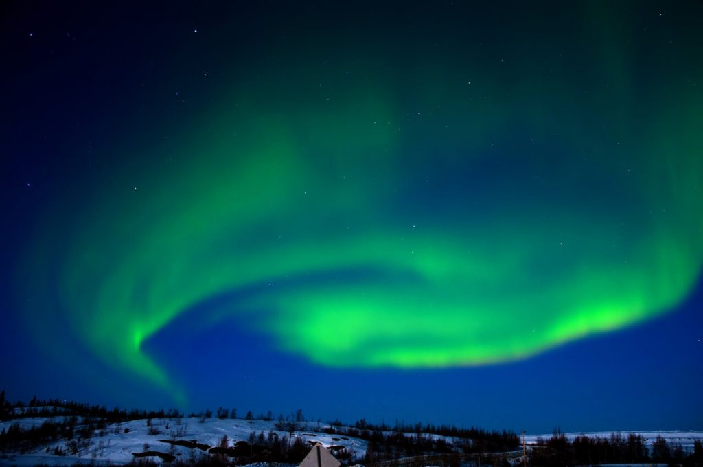 alaska-northern-lights-work-travel