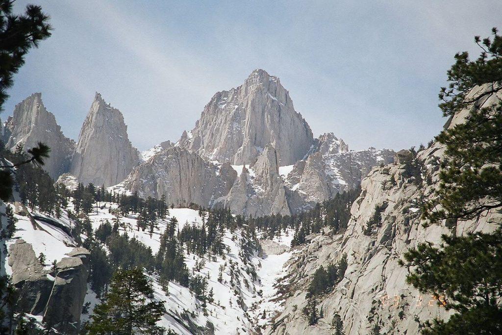 Mount Whitney, najviša planina u okviru Amerike koji isključuje Aljasku i Havaje jer se