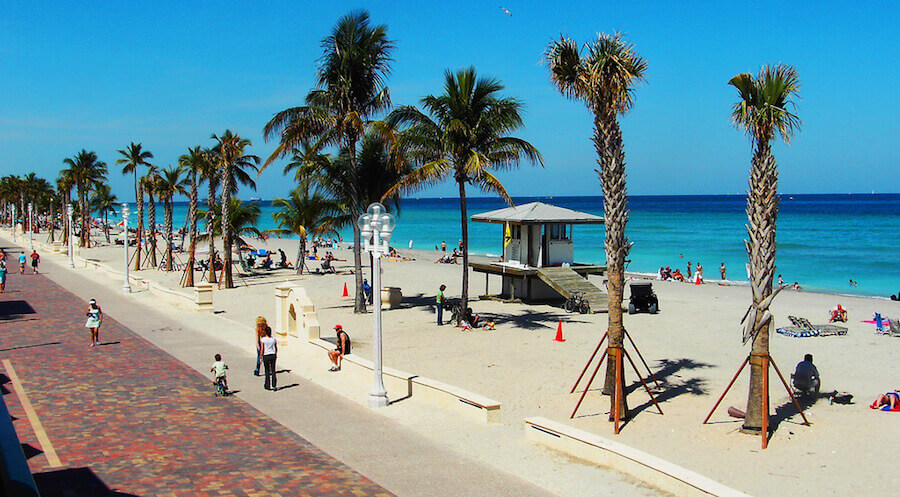 Hollywood Beach, Florida | Credits: miamibrowardproperties