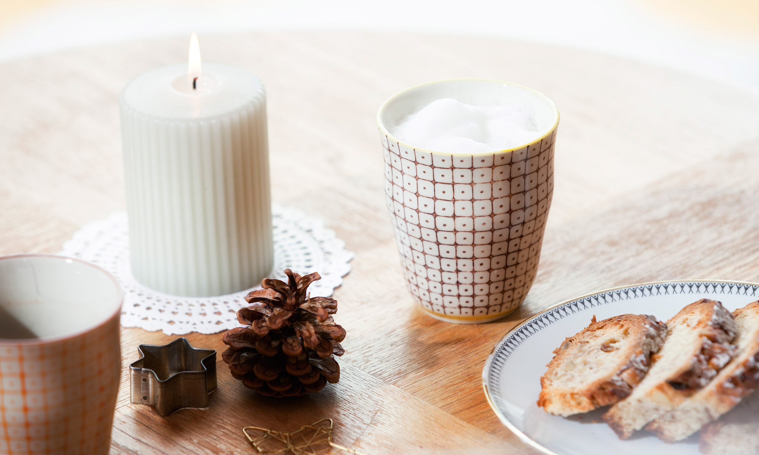 what does a breakfast candle smell like extra crispy