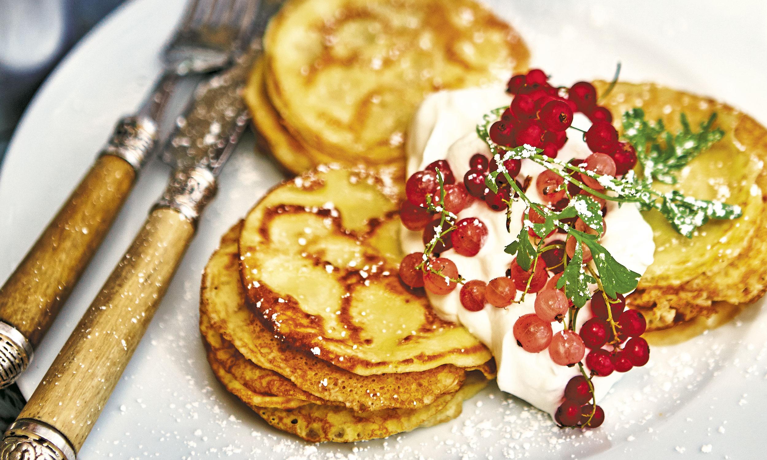Make Ahead Mini Pancakes with Berries and Cream