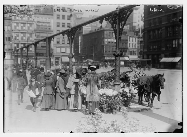 Shoppers at Easter market, Union Sq.,New York