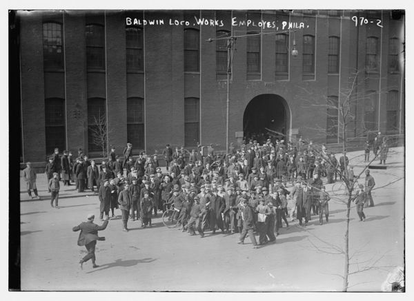 Employees of the Baldwin Locomotive works standing outside bldg., Philadelphia