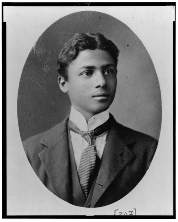 African American man, head-and-shoulders portrait, facing right