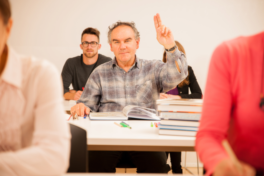 Free college courses for seniors