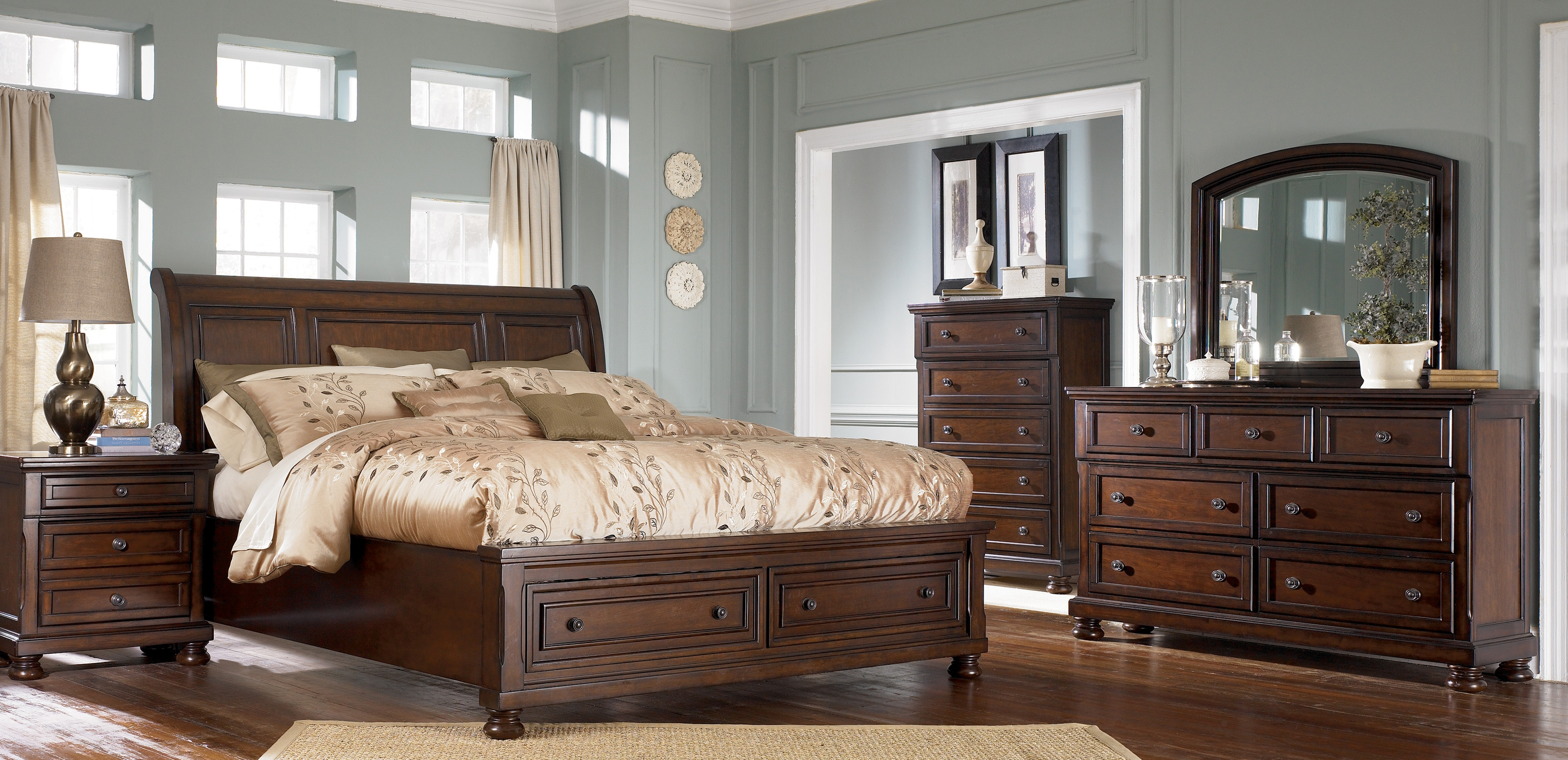 photo of a beautifully furnished bedroom