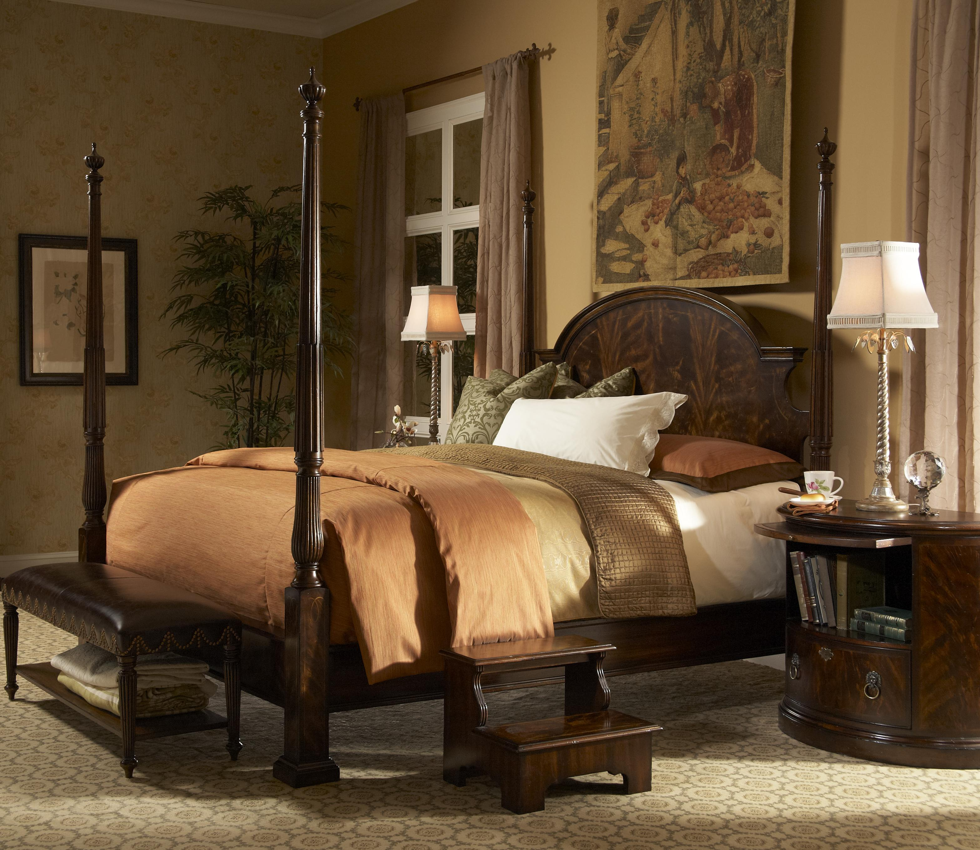 Beautiful Queen Traditional Poster Bed