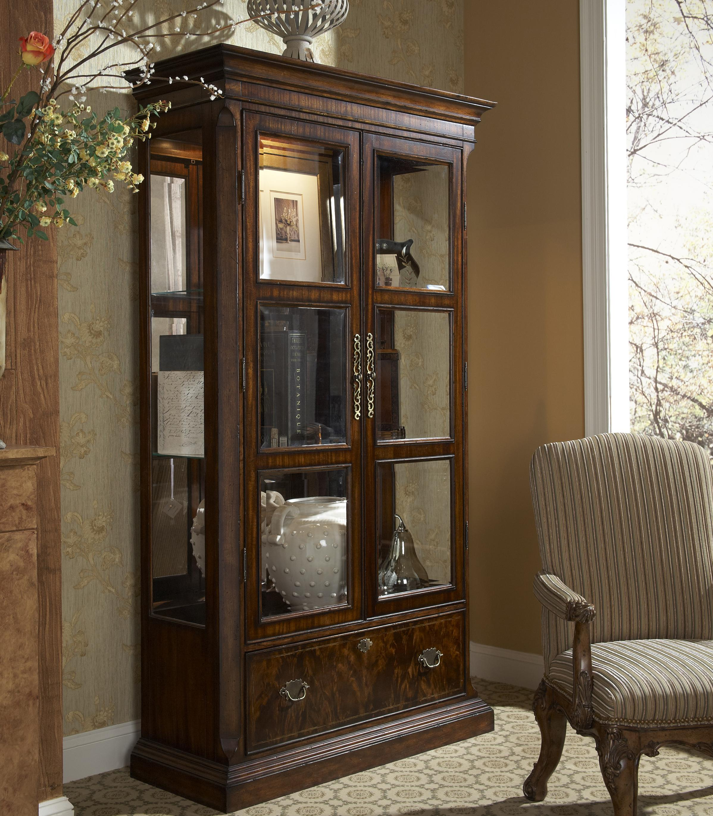 Genial Traditional Curio China Cabinet