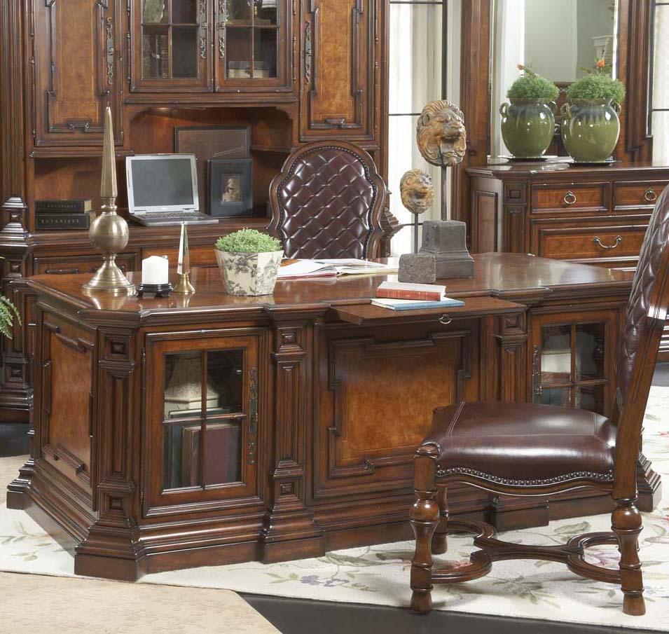 Executive Desk By Fine Furniture Design Wolf And Gardiner Wolf Furniture