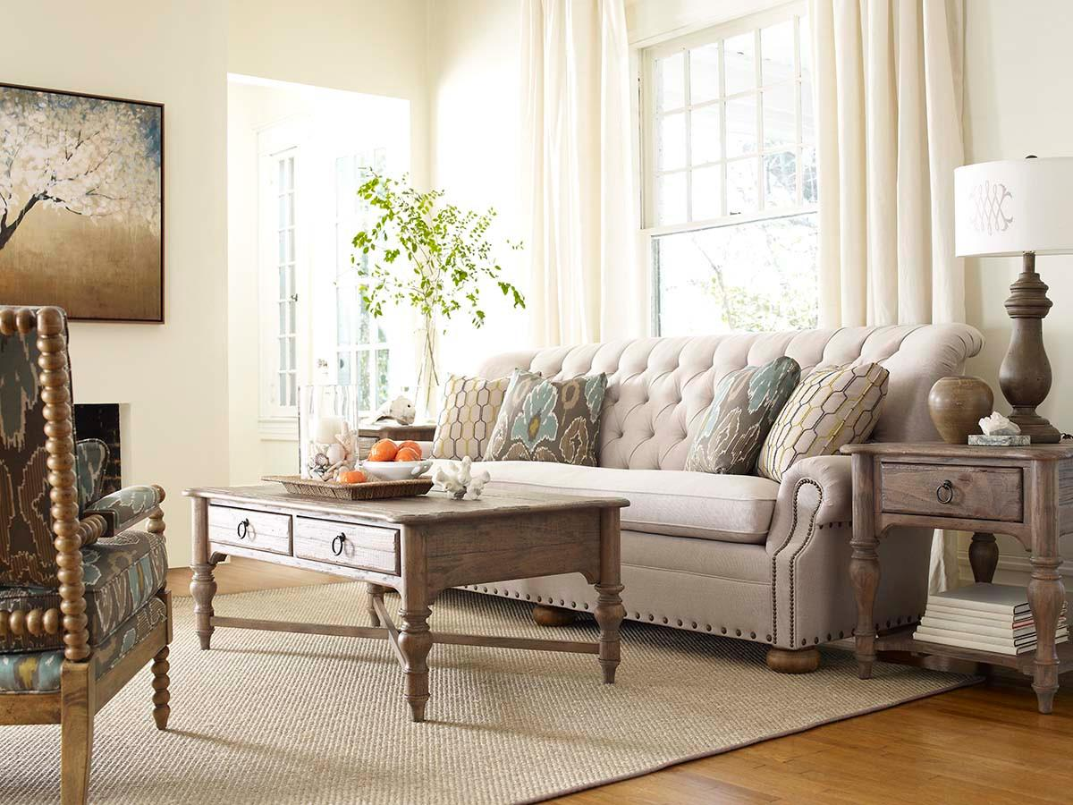Charmant Traditional 96 Inch Button Tufted Sofa With Rolled Back And Nailheads