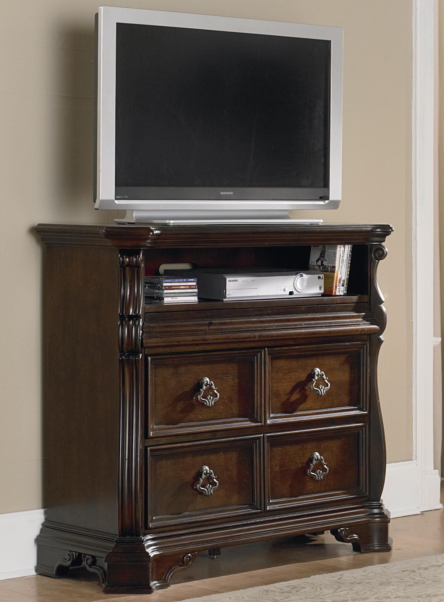 Traditional Media Chest