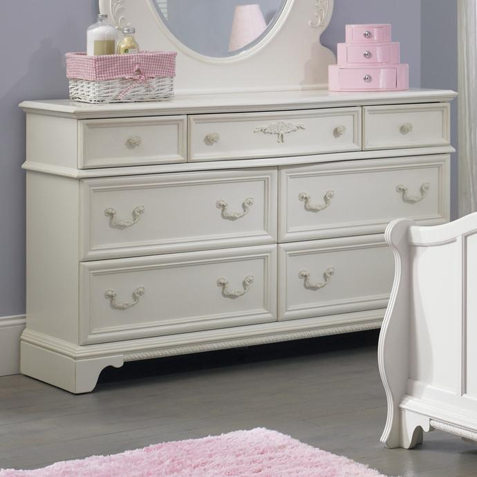 Superbe 7 Drawer Dresser With Felt Lined Top Drawers