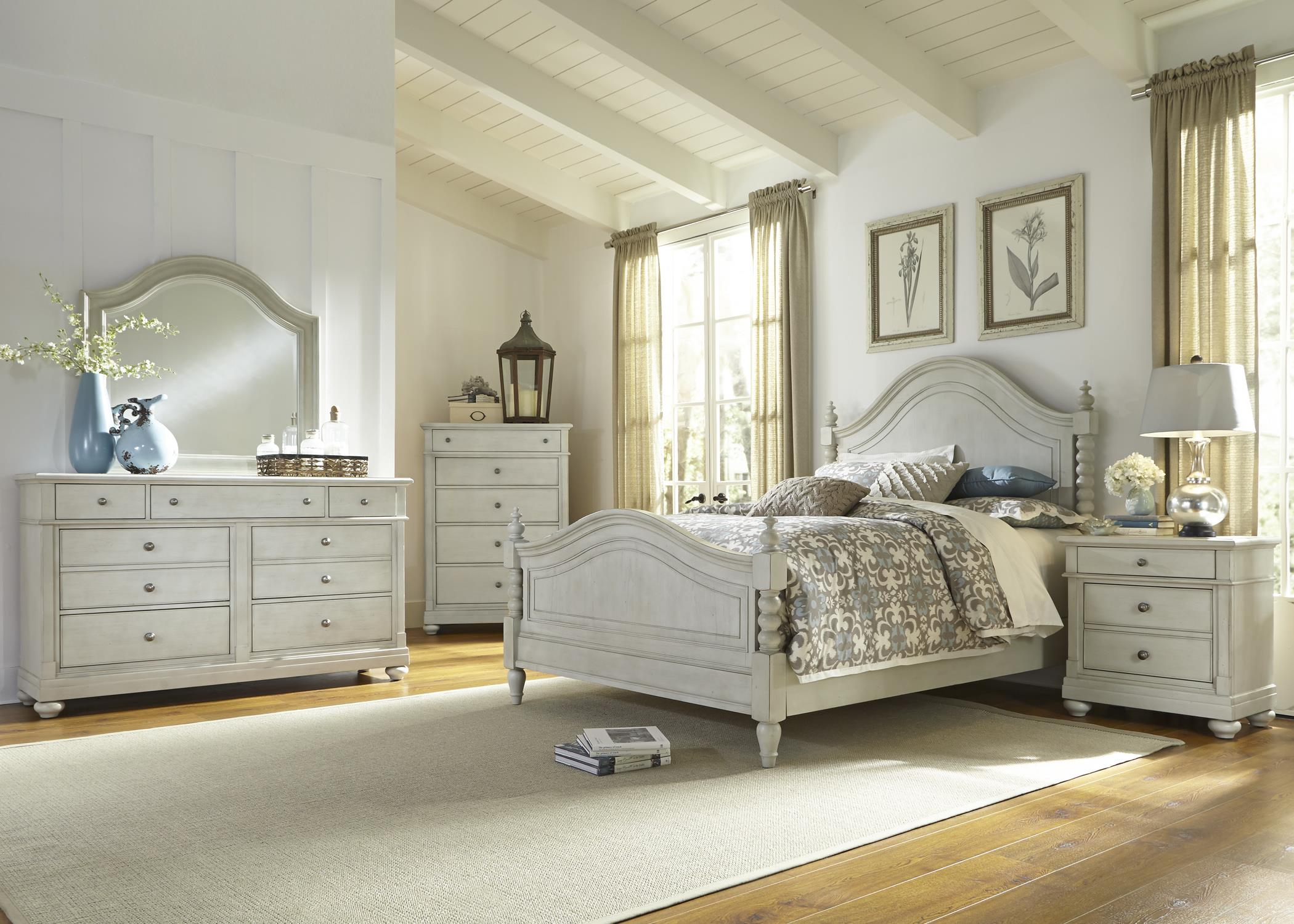 Queen Poster Bed With Barley Twist Accents By Liberty