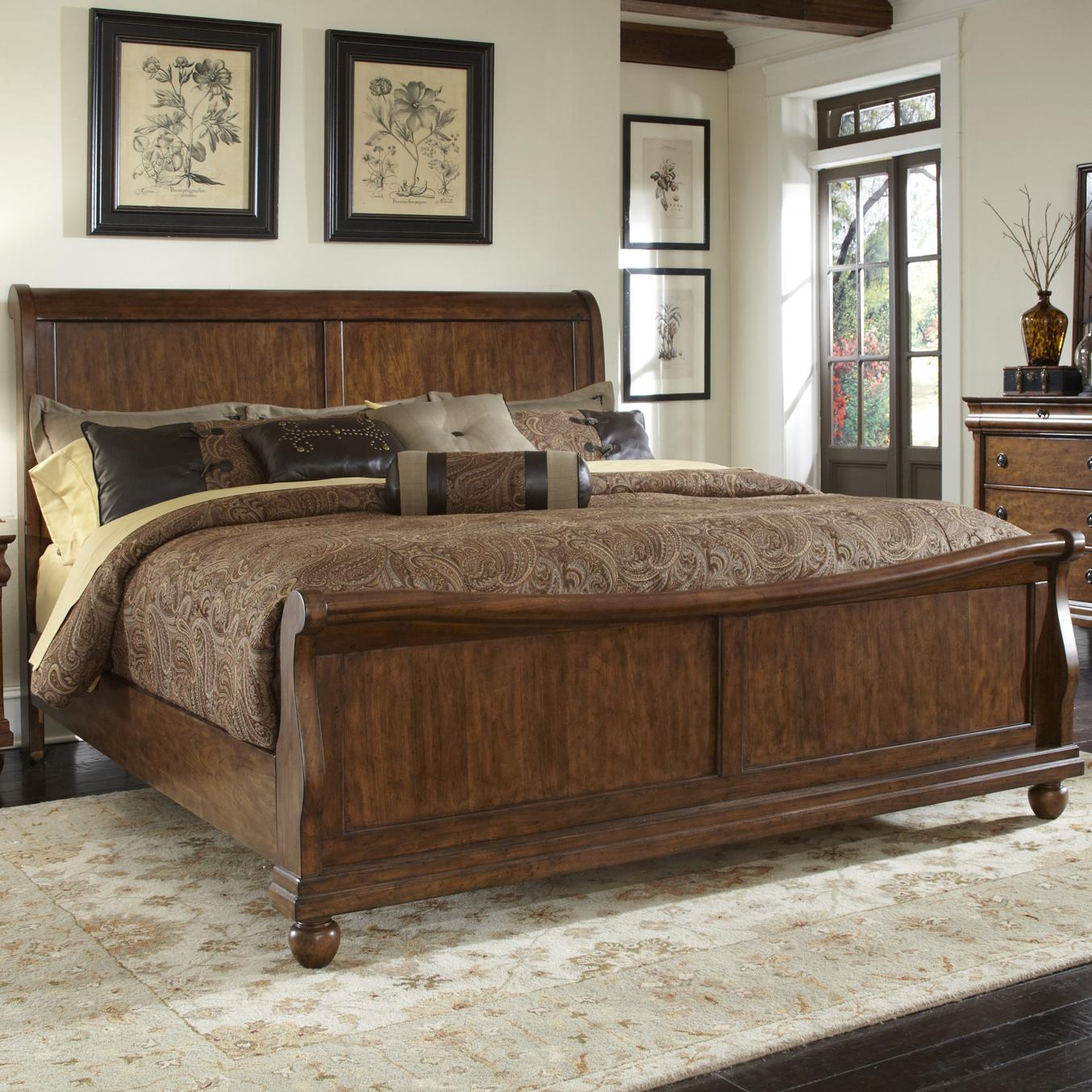 Queen Sleigh Bed Set With Bun Feet By Liberty Furniture Wolf And