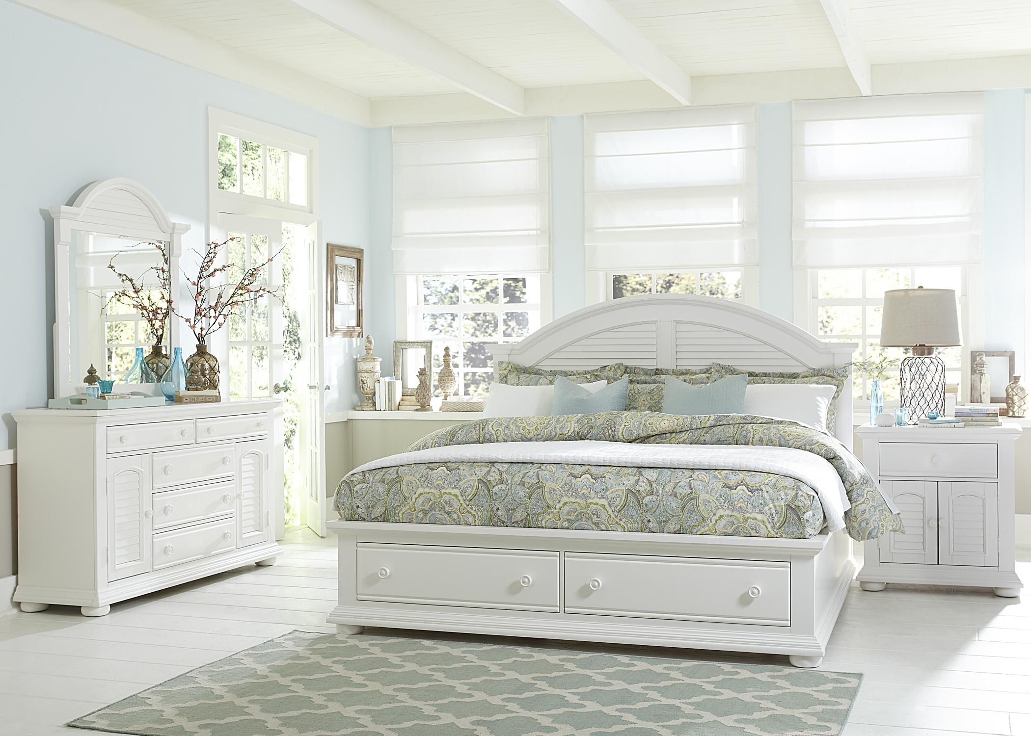 Bedroom Sets With Storage Beds cottage queen bed with storage footboardliberty furniture