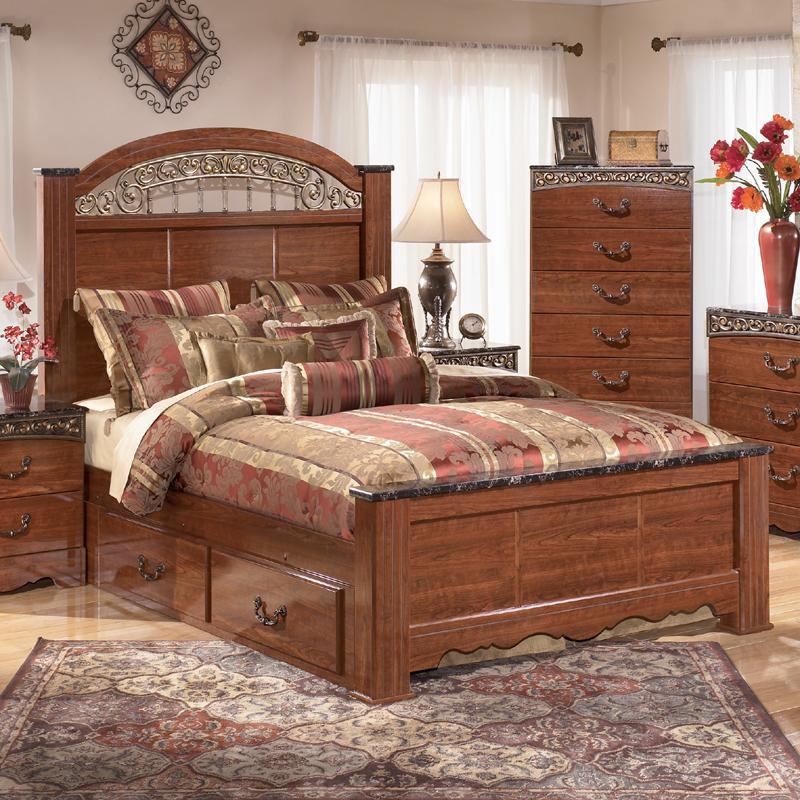 Queen Poster Bed with Ornate Scrolled Insert by Signature Design ...