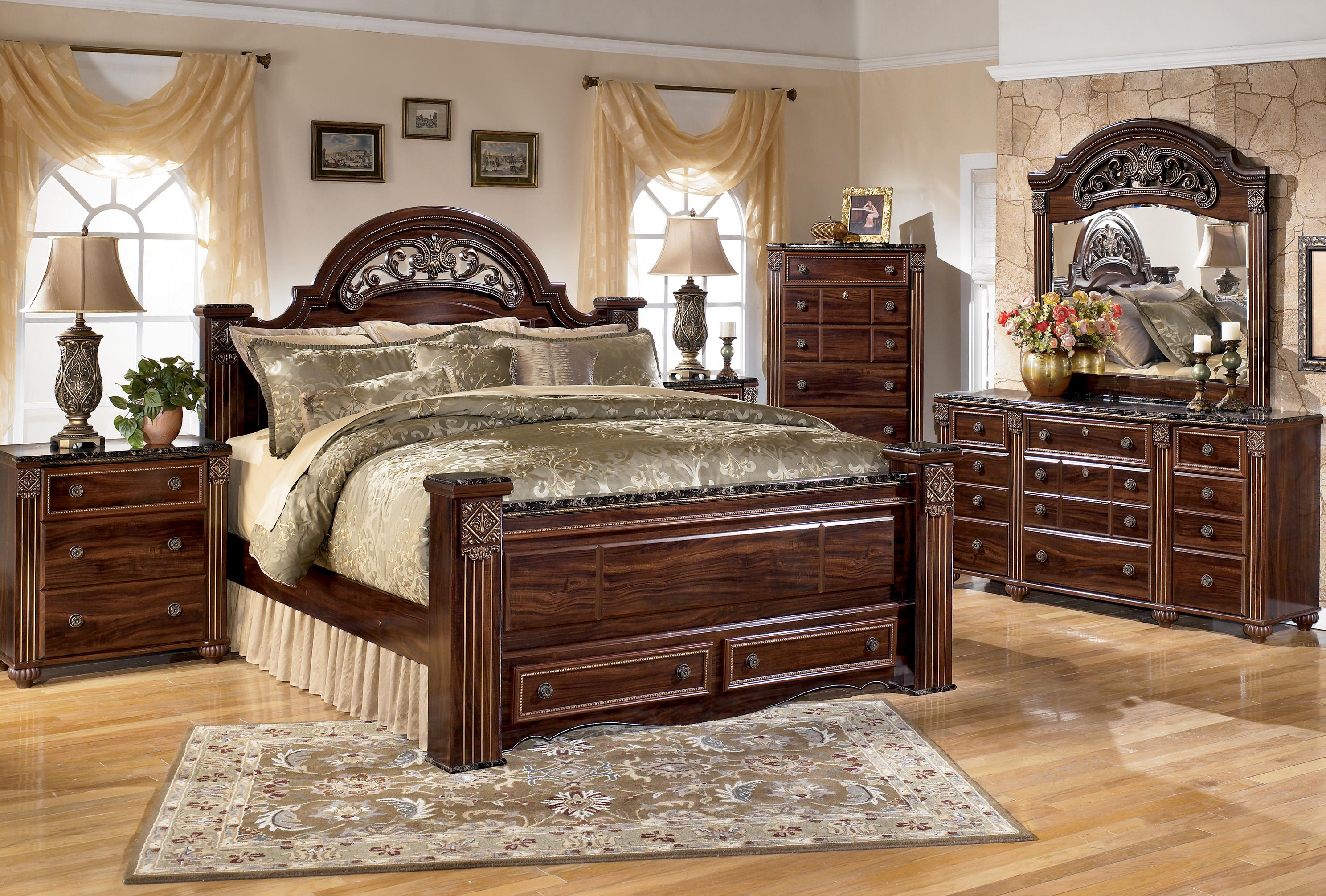Gabriela King Bed Group