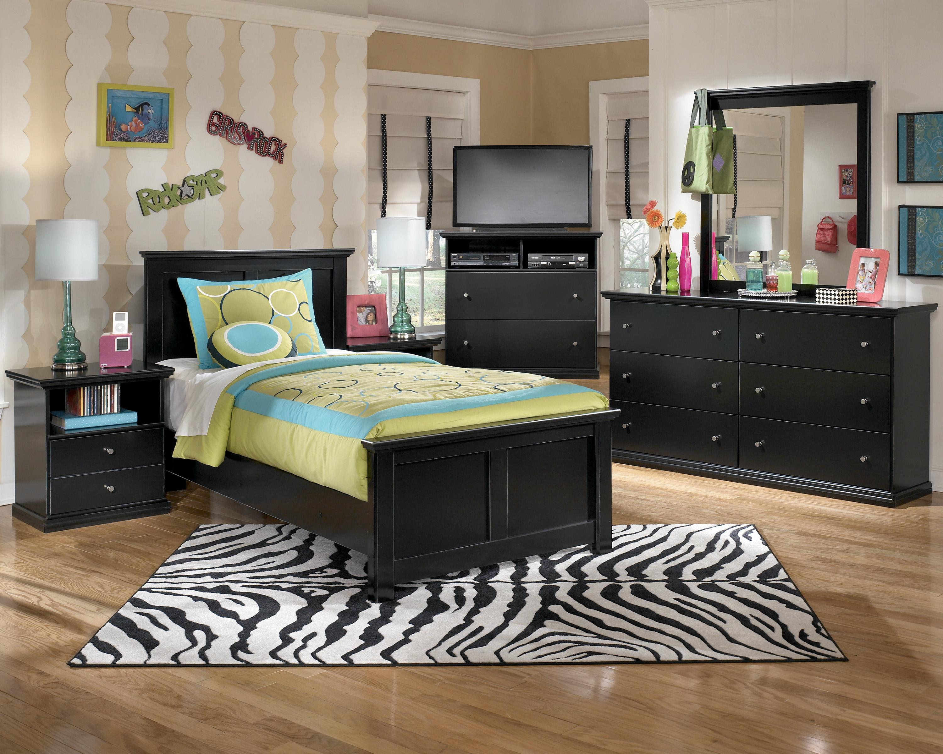 Twin Panel Bed With Simple Moulding By Signature Design By