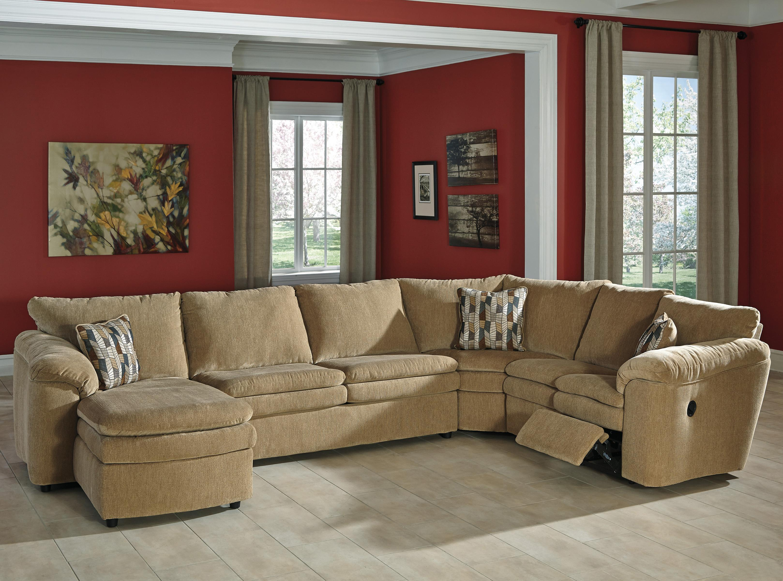 Casual Contemporary 4 Piece Reclining Sectional with Left Chaise