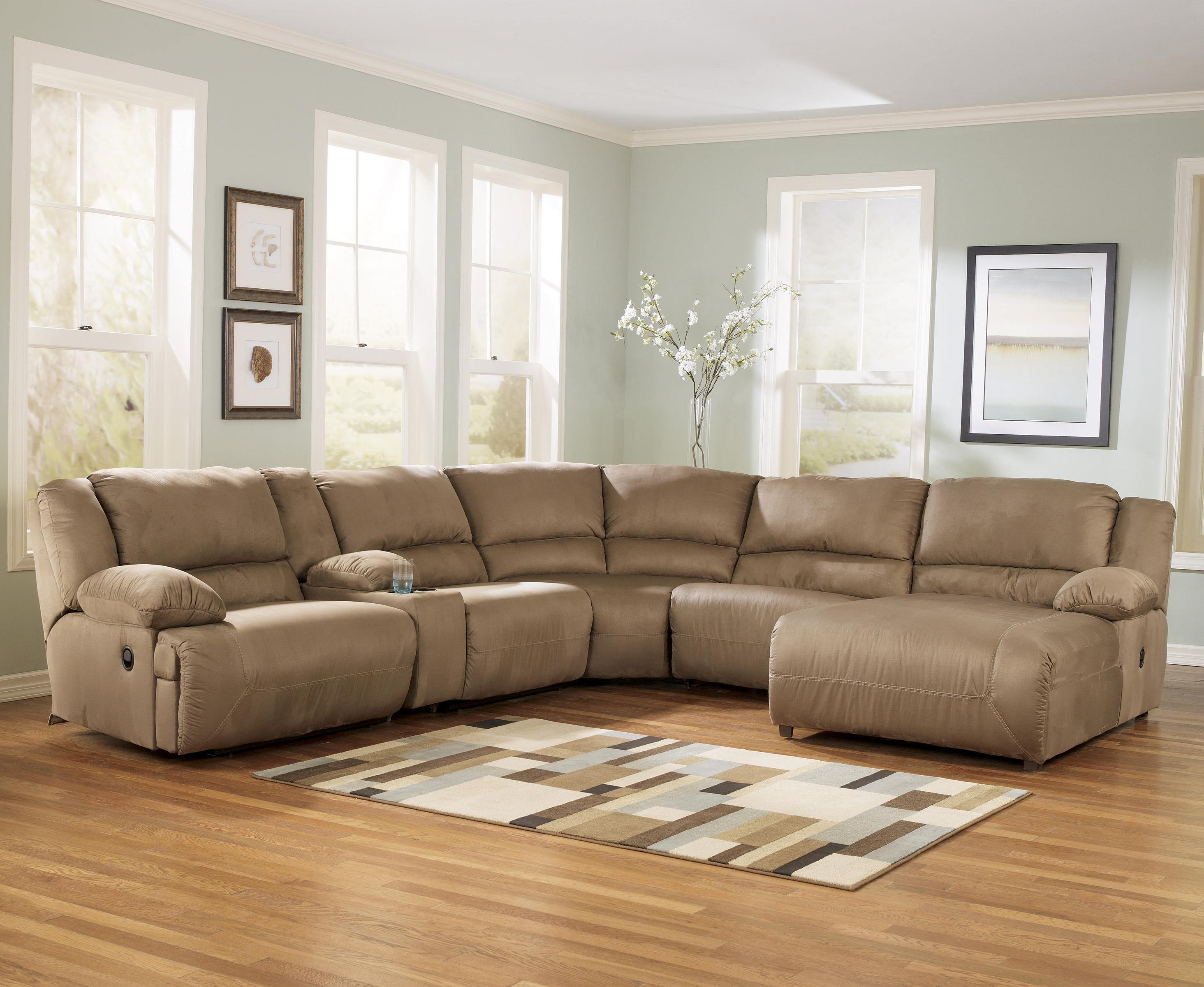 Attirant 6 Piece Motion Sectional With Right Chaise And Console