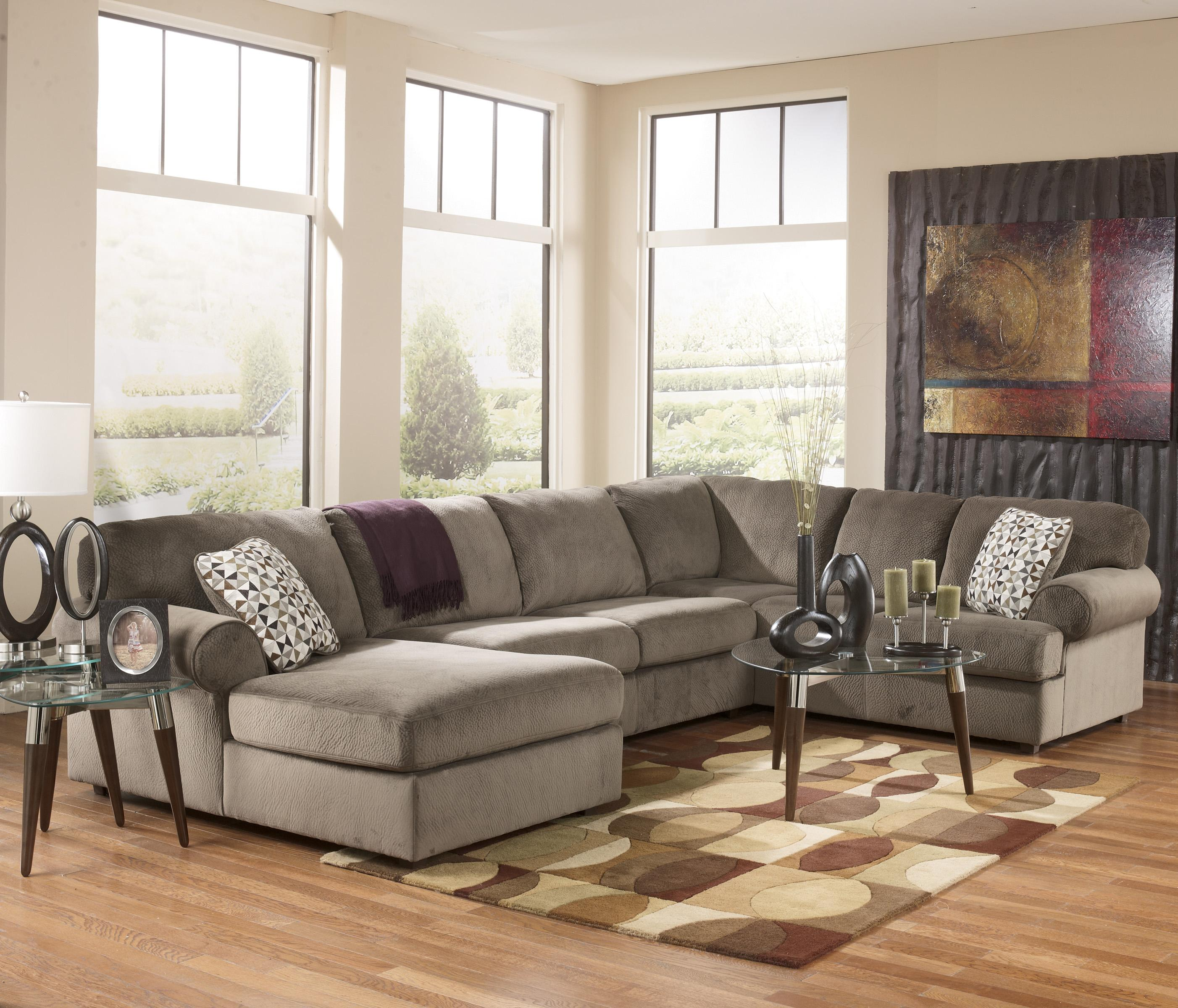 Casual sectional sofa with left chaise by signature design for Chaise 3 places