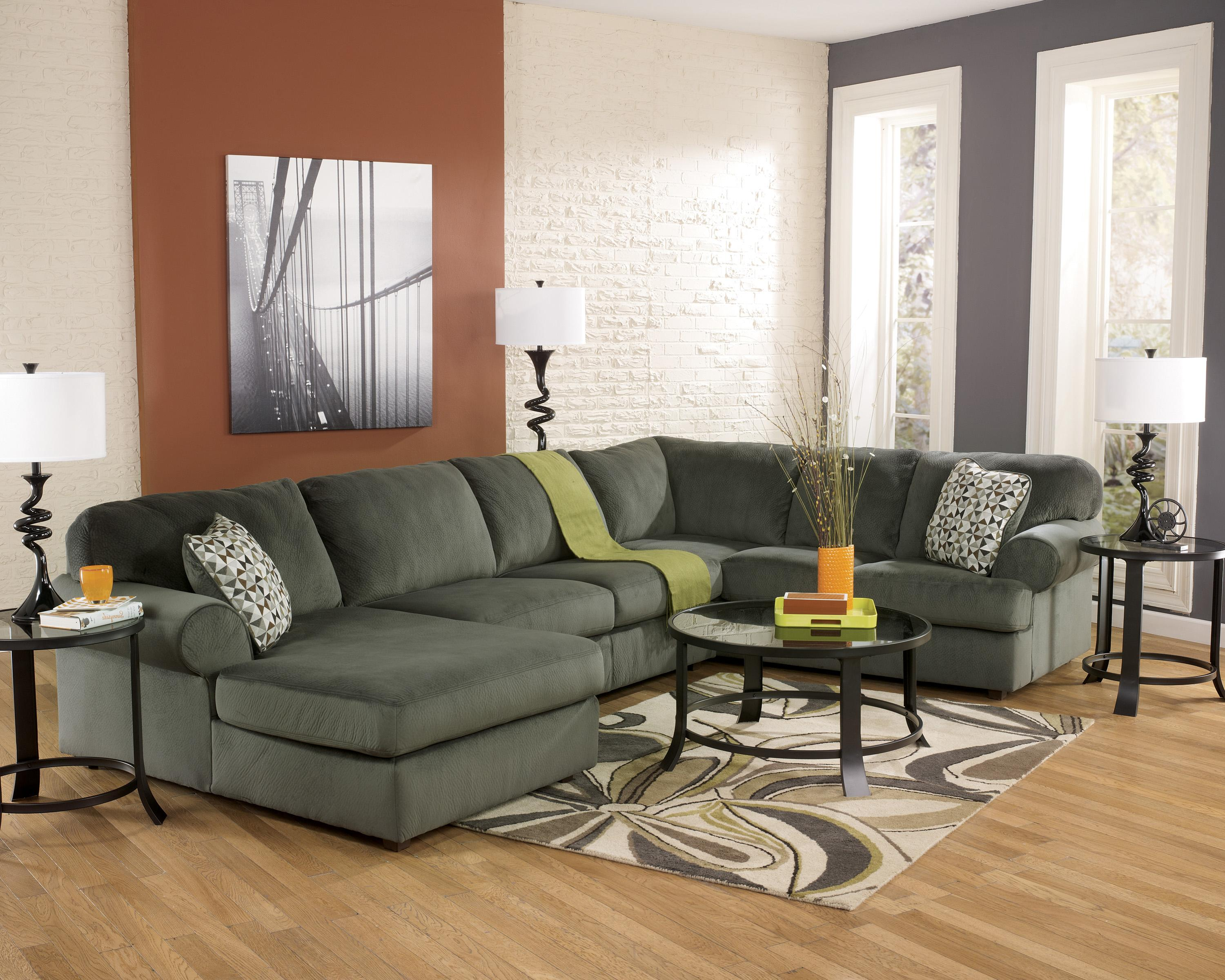 Casual sectional sofa with left chaise by signature design for Amazon sectional sofa with chaise